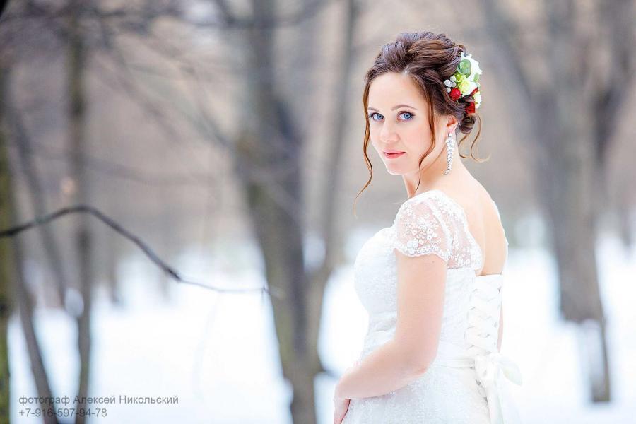 свадебная прическа цветы в волосах