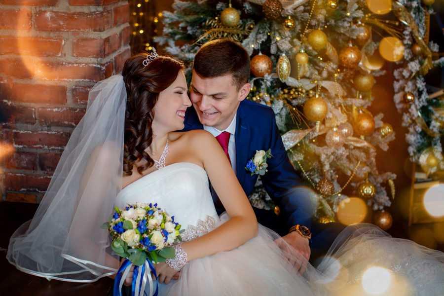Свадебная фотосъемка зимой в студии, Фотограф Алексей Никольский