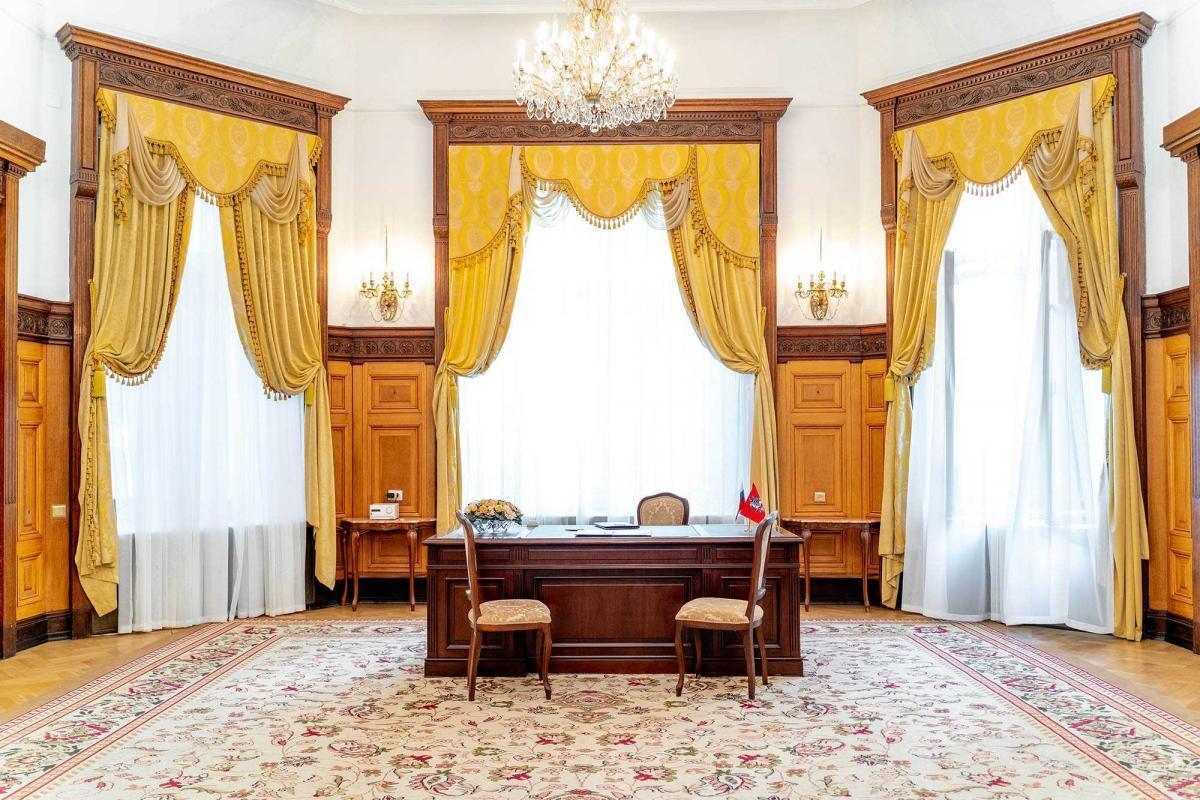 торжественный зал 1 дворца бракосочетания Москвы ( Грибоедвский)