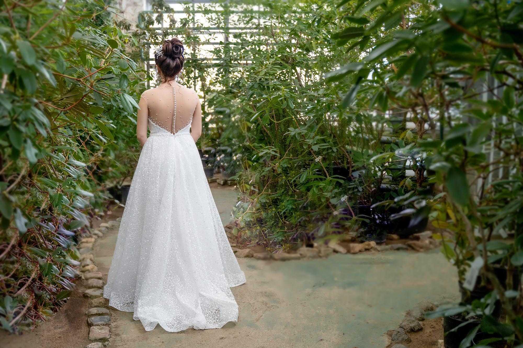 Как не испачкать свадебное платье